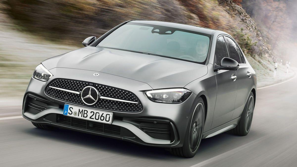 Mercedes-Benz Autos warnen sich gegenseitig vor Schlaglöchern und meiden weniger gute Fahrzeuge