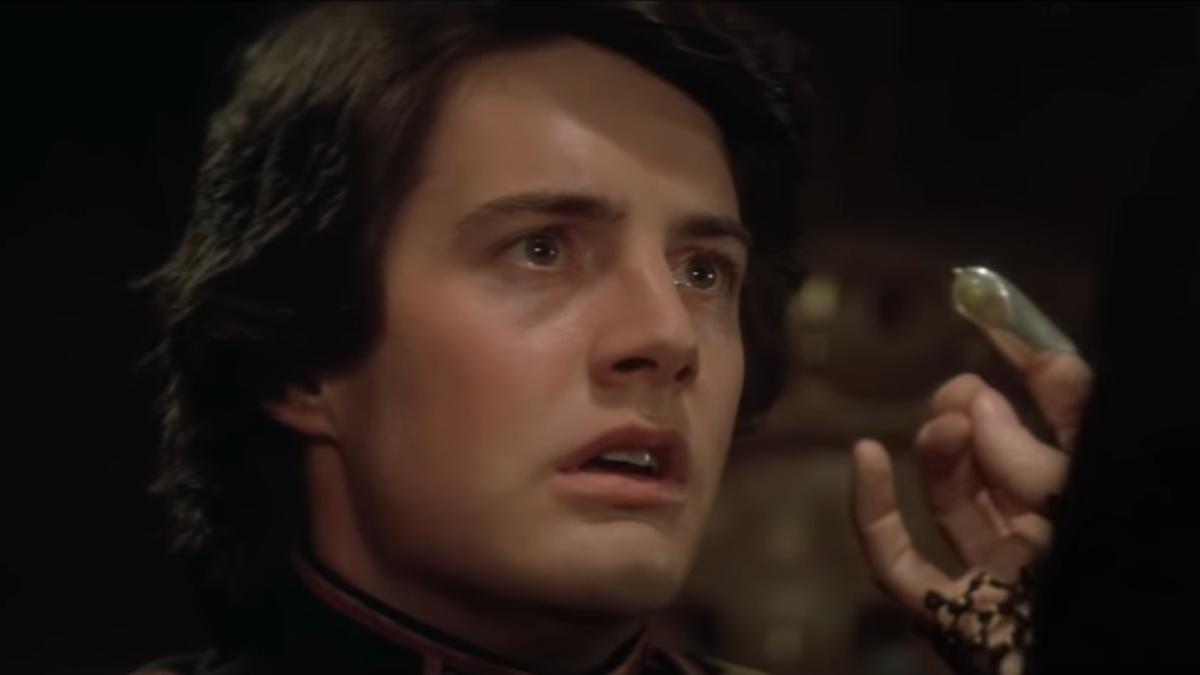 Gilbert Gottfried recites Dune's Litany Against Fear