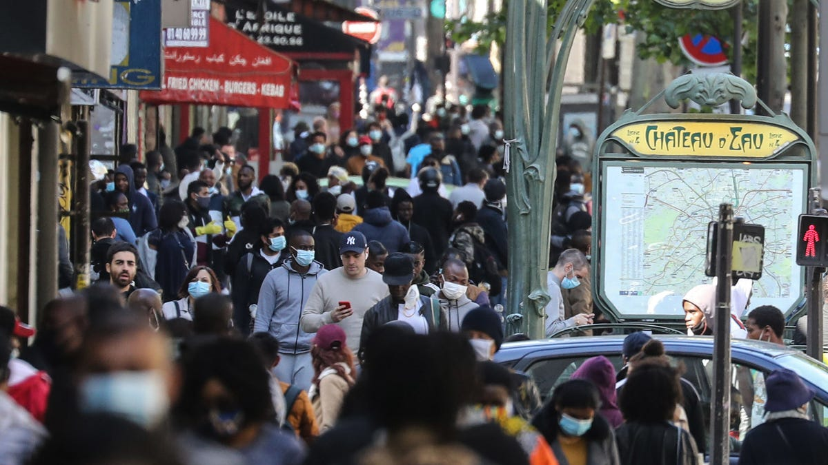 Latest Coronavirus Science: The Link Between Pandemics and Psychosis
