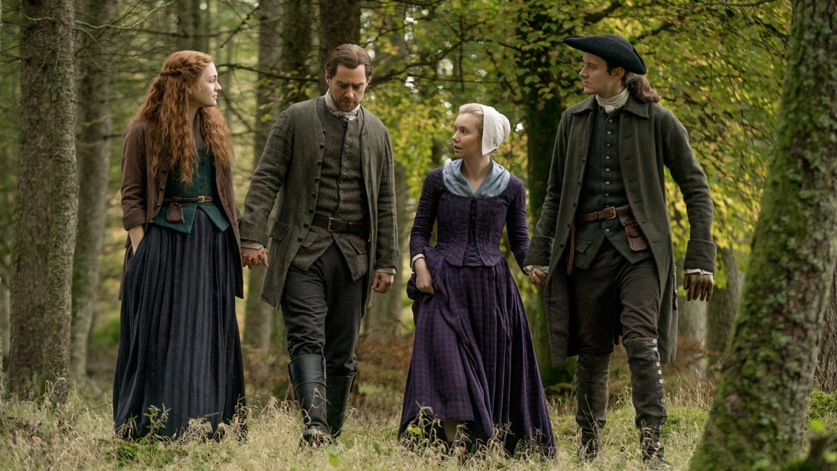 As war looms, Outlander has more to say in its quieter moments