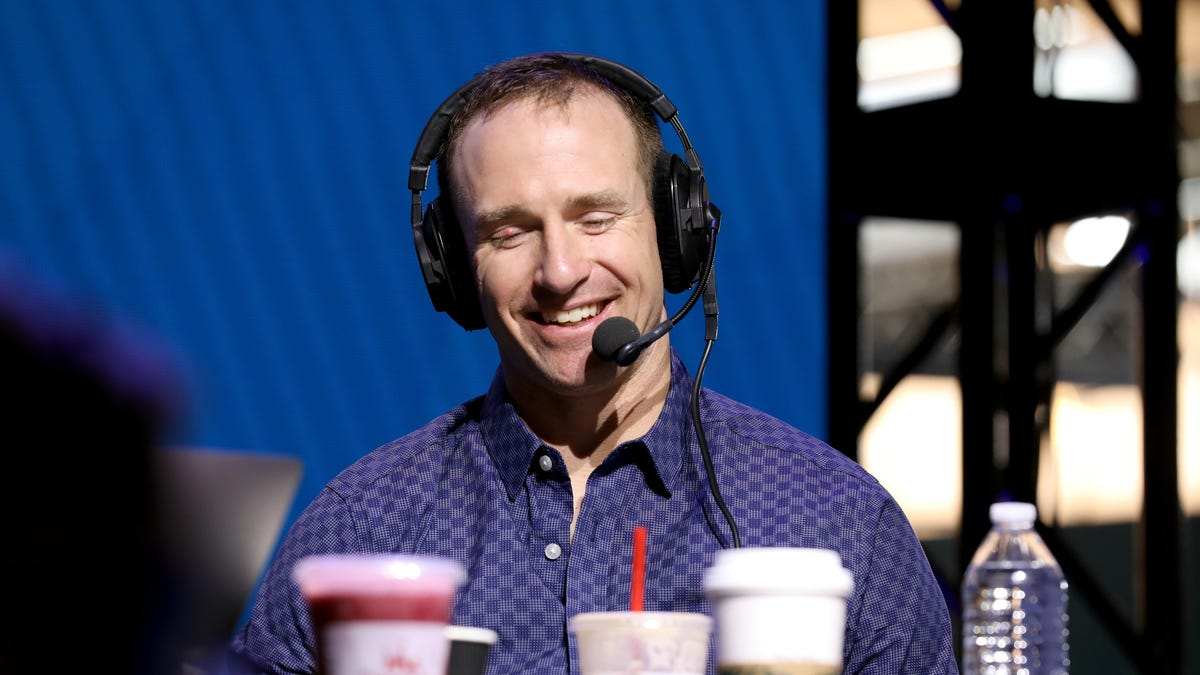 1-2-3, All Lives Matter! — Drew Brees joins Mike Tirico to call football games