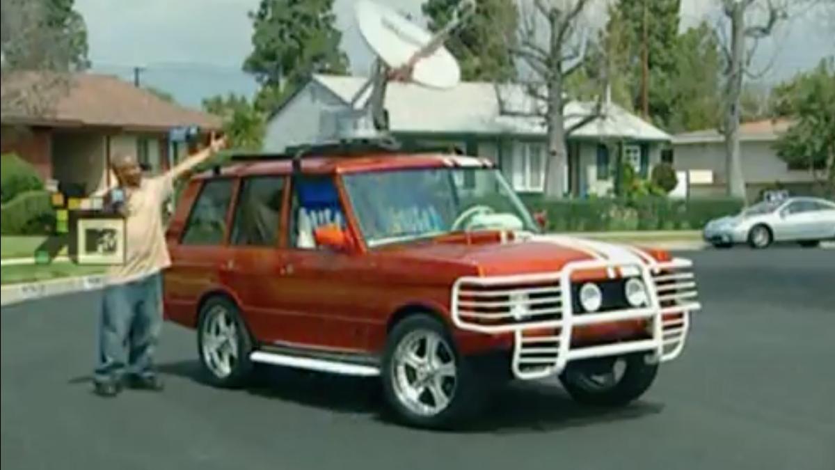 TV-Rückblende: Erinnern Sie sich, als Pimp My Ride eine 120-LB-Satellitenschüssel oben auf einen Range Rover setzte?
