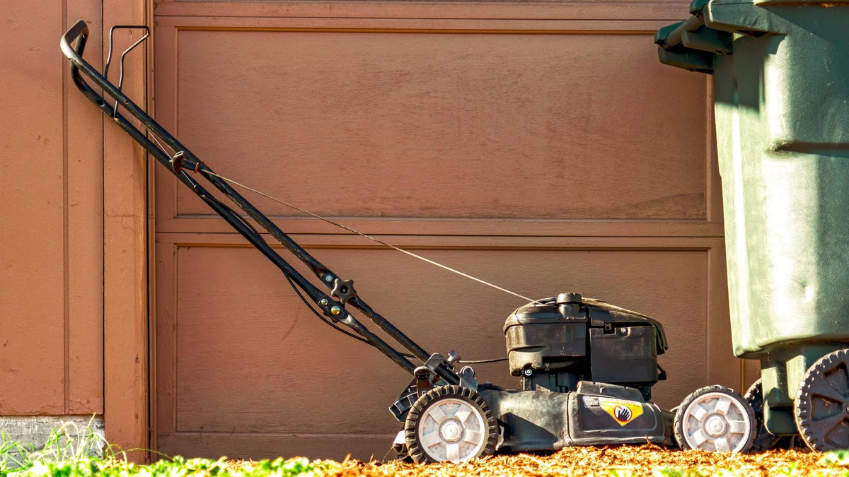 How to Winterize Your Lawn Mower at the End of the Season