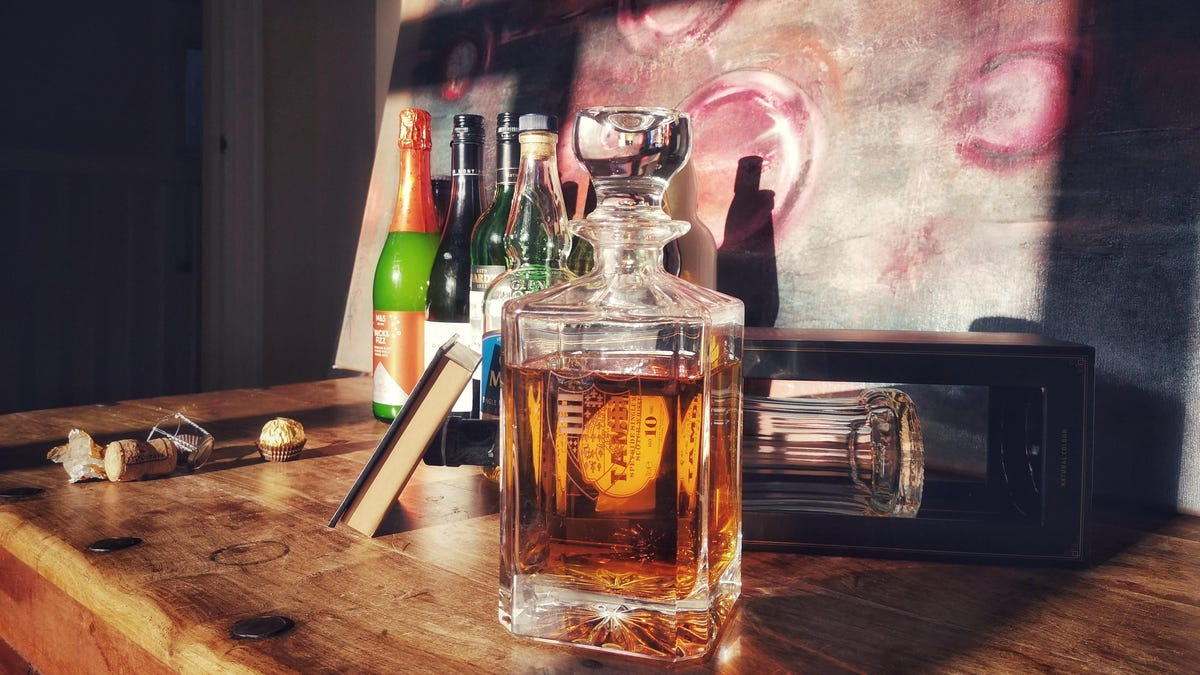 How to Organize Your Home Bar Like a Sophisticated Adult