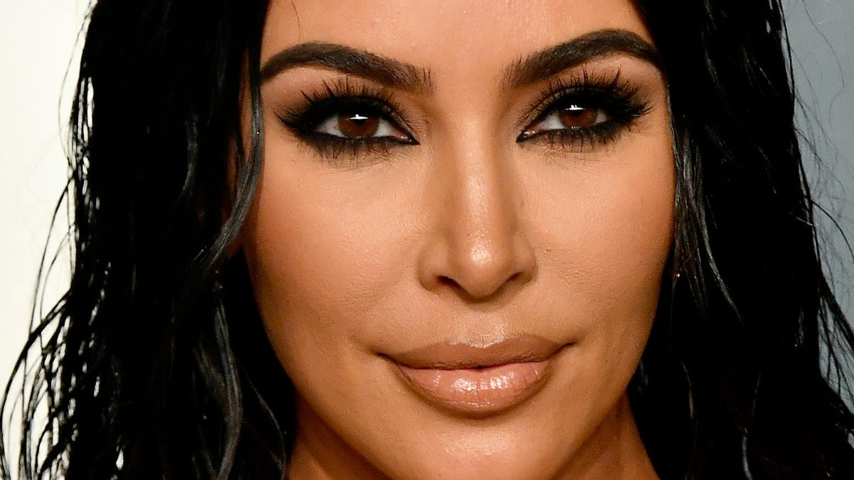 Kim's Unleashing Her Inner Cluttertina Now That Kanye's Out of Their Sparsely Furnished Home - Jezebel