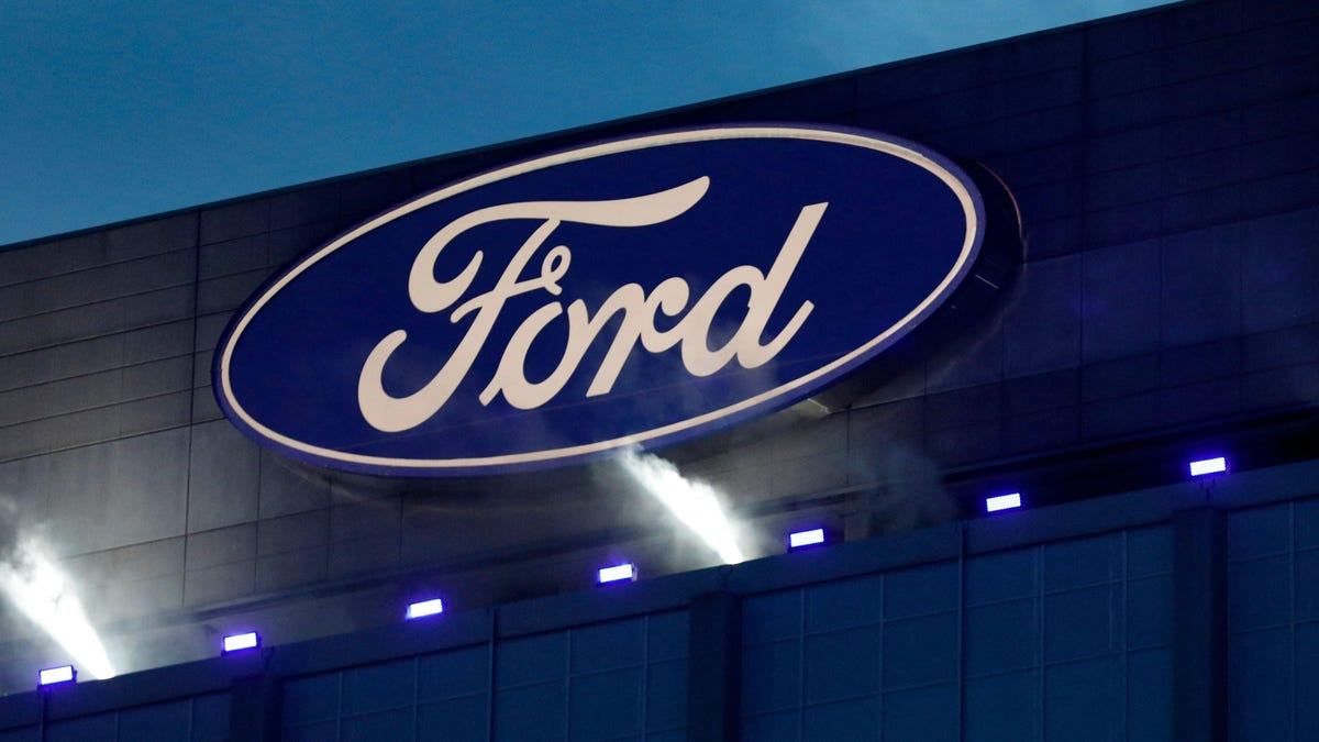 """GM And Cruise Want Ford To Stop Calling Its Hands-Free Driving Technology """"BlueCruise"""" - Jalopnik"""