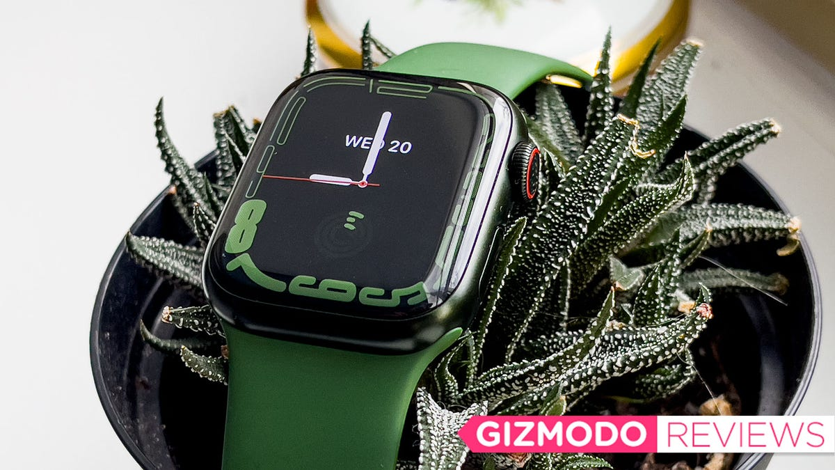 The Apple Watch Series 7 Is Easier on the Eyes, but That's About It