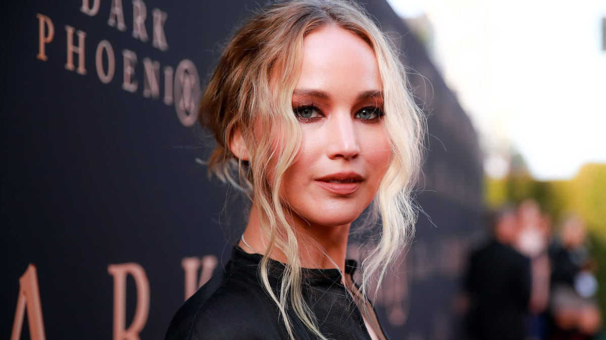 It's Entirely Possible That Jennifer Lawrence Is Getting Married in a Mansion Full of Party Ghosts