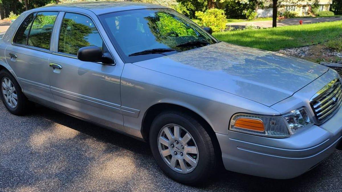 Bei $ 4.900, könnte diese 2008 Ford Crown Victoria LX ein Kronjuwel sein?