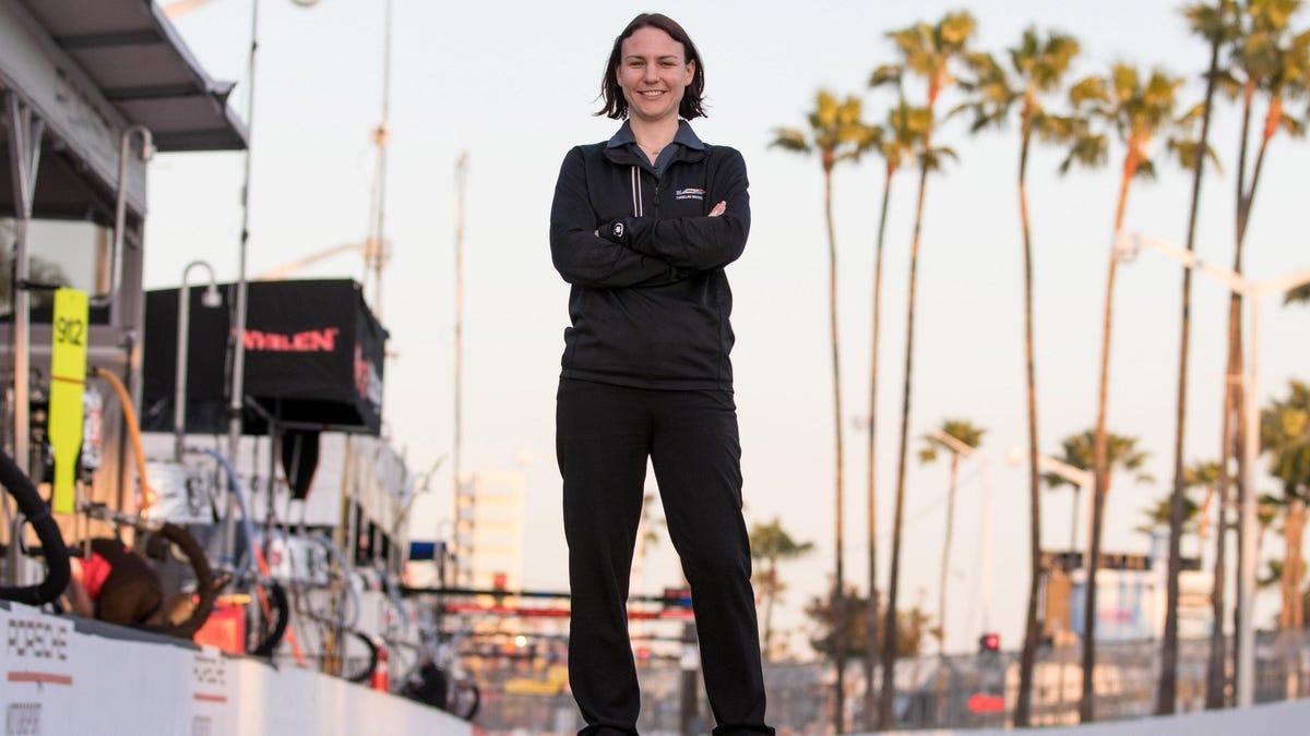 Die 34-jährige Laura Wontrop Klauser lässt sich von ihrer Rolle als Programm-Managerin für Sportwagenrennen bei GM nicht einschüchtern