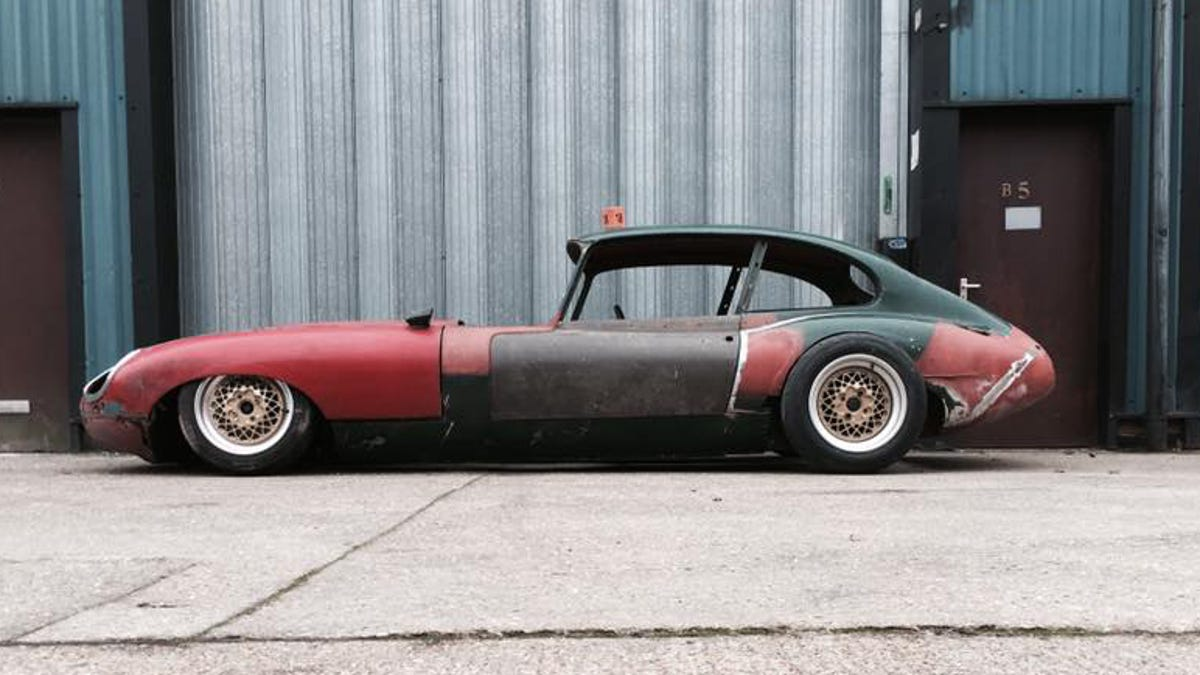 Crazed British Tuning Shop Attempts To Put Three-Rotor Mazda Engine In Vintage Jaguar