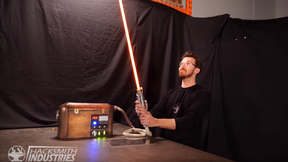 Lightsabers From Star Wars Still Aren't Real, But This Guy Made a Protosaber, Kind Of