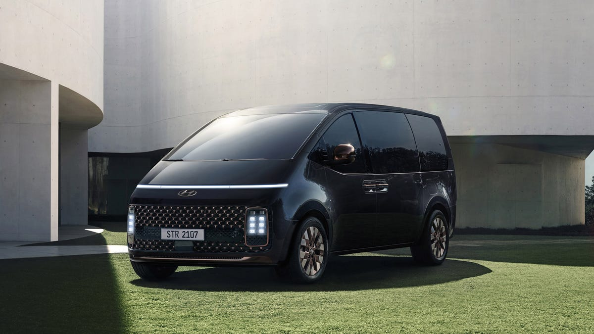 The Hyundai Staria Van Only Looks Futuristic, And That's Fine