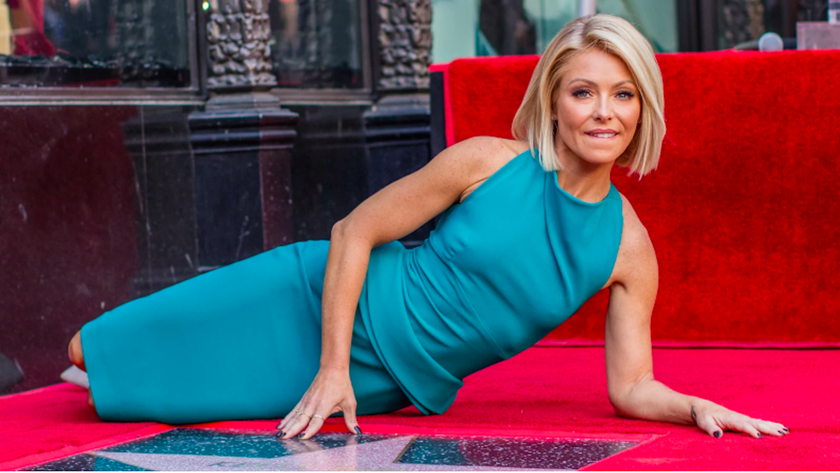 Kelly Ripa Quit Drinking But It Wasn`t a...