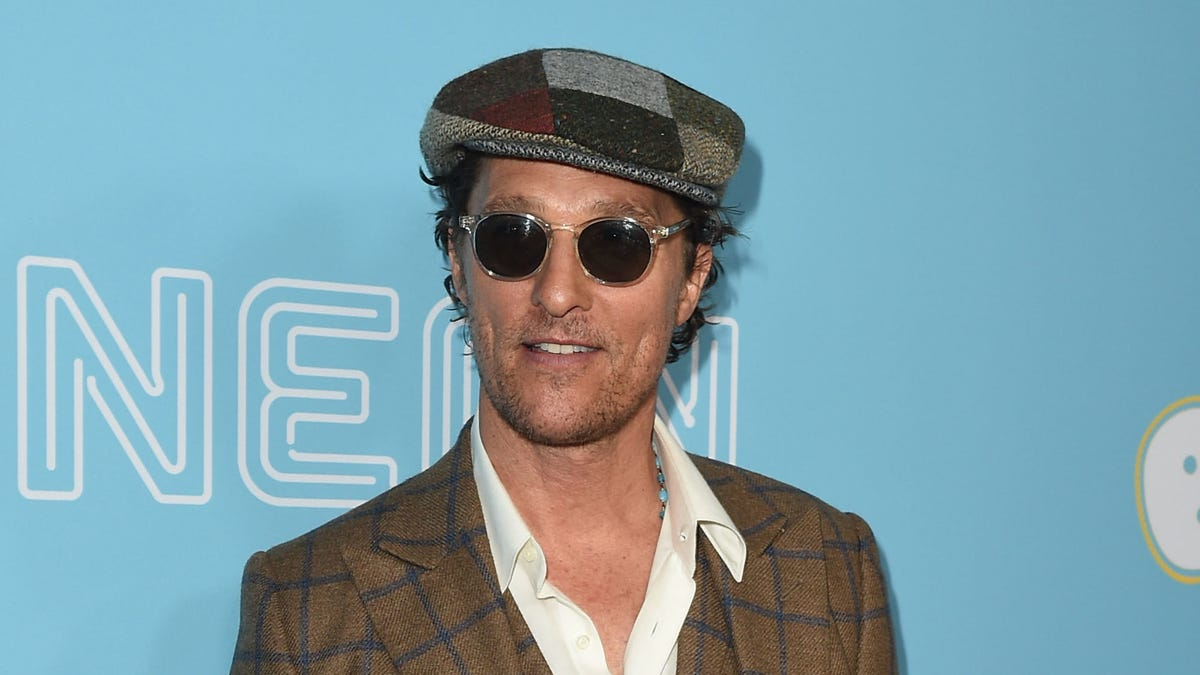 """Professor Matthew McConaughey says """"alright"""" to potentially running for governor"""