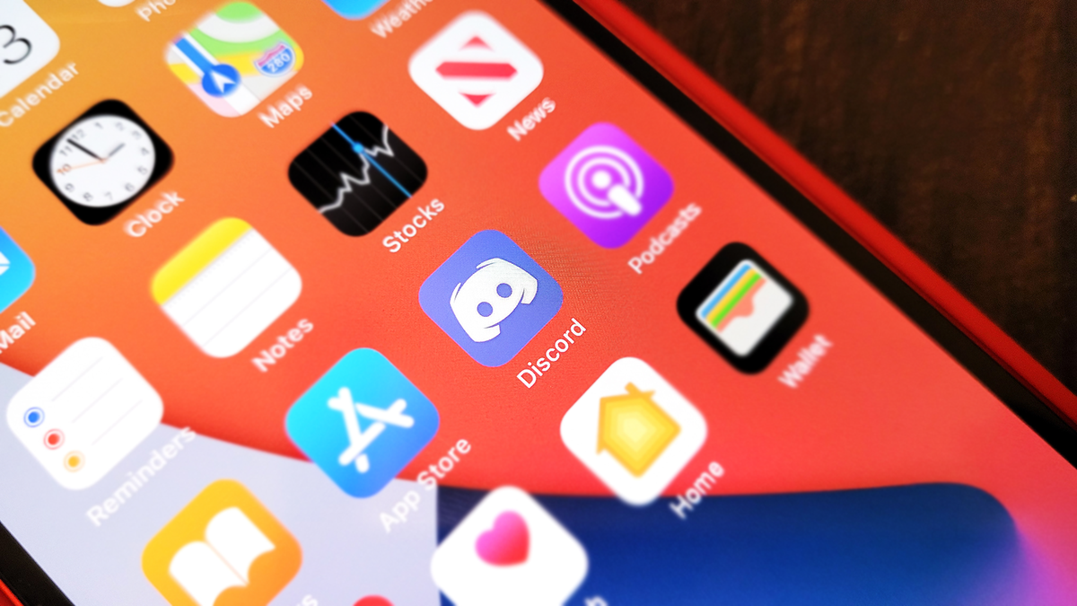 Discord's NSFW Block on iOS Might Hurt Artists the Most thumbnail