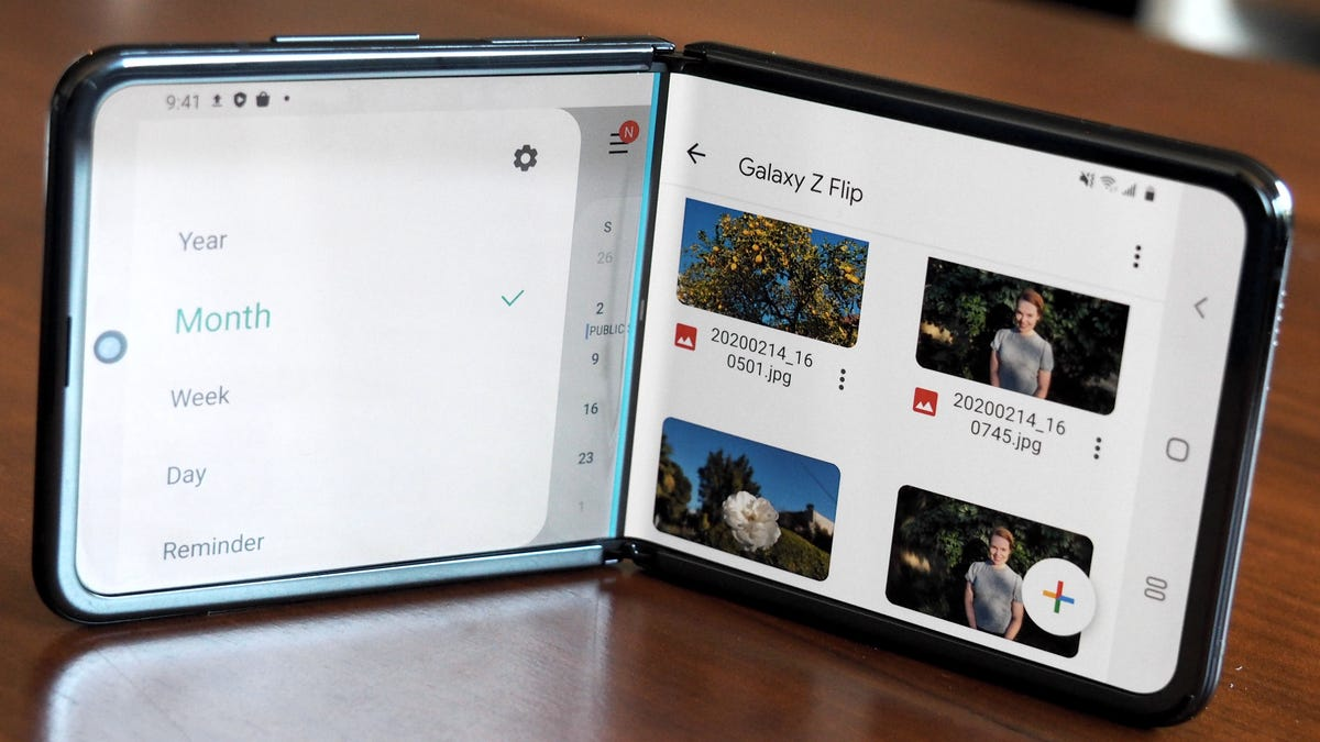 I'm Convinced Samsung's New Foldable Phone Is the Perfect Size - Gizmodo