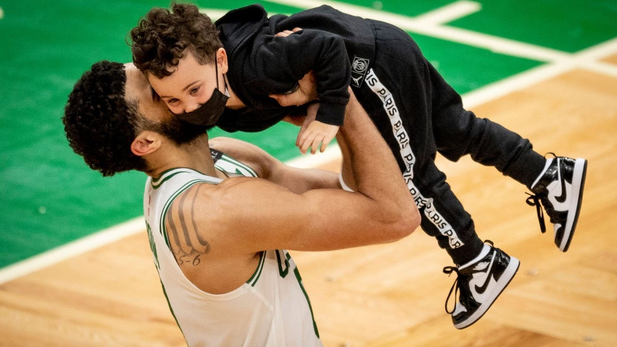 Jayson Tatum scores 60 in epic comeback over Spurs