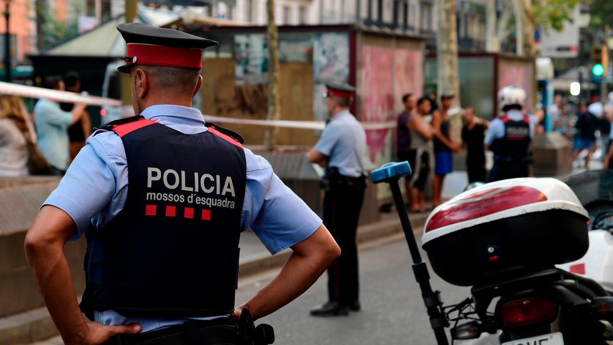 Police Arrest 106 People Tied to Mafia-Connected Cybercrime Group