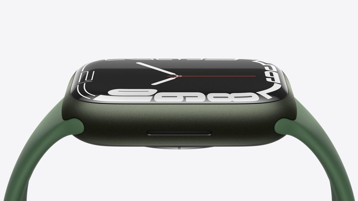 Sorry, Your Old Apple Watch Charger Isn't Compatible With the Series 7's Fast Charging System thumbnail