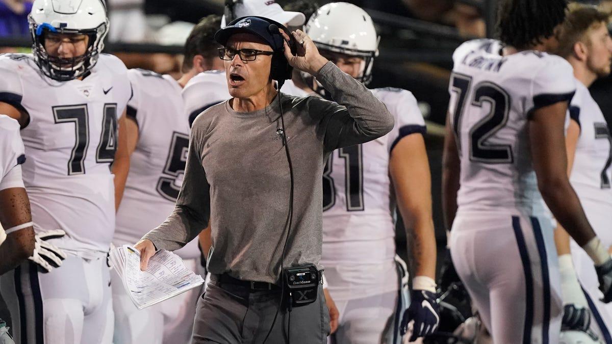 UConn menderita kerugian yang lama, tetapi Vanderbilt didorong hingga batasnya
