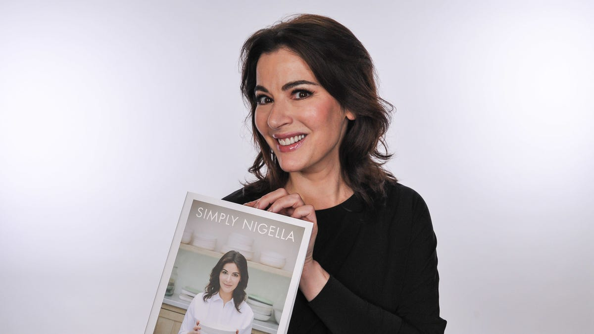 "However you think Nigella Lawson pronounces ""microwave,"" you're wrong"
