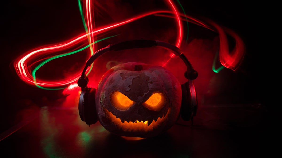 20 Horror Podcasts That Will Scare the Bejesus Out of You