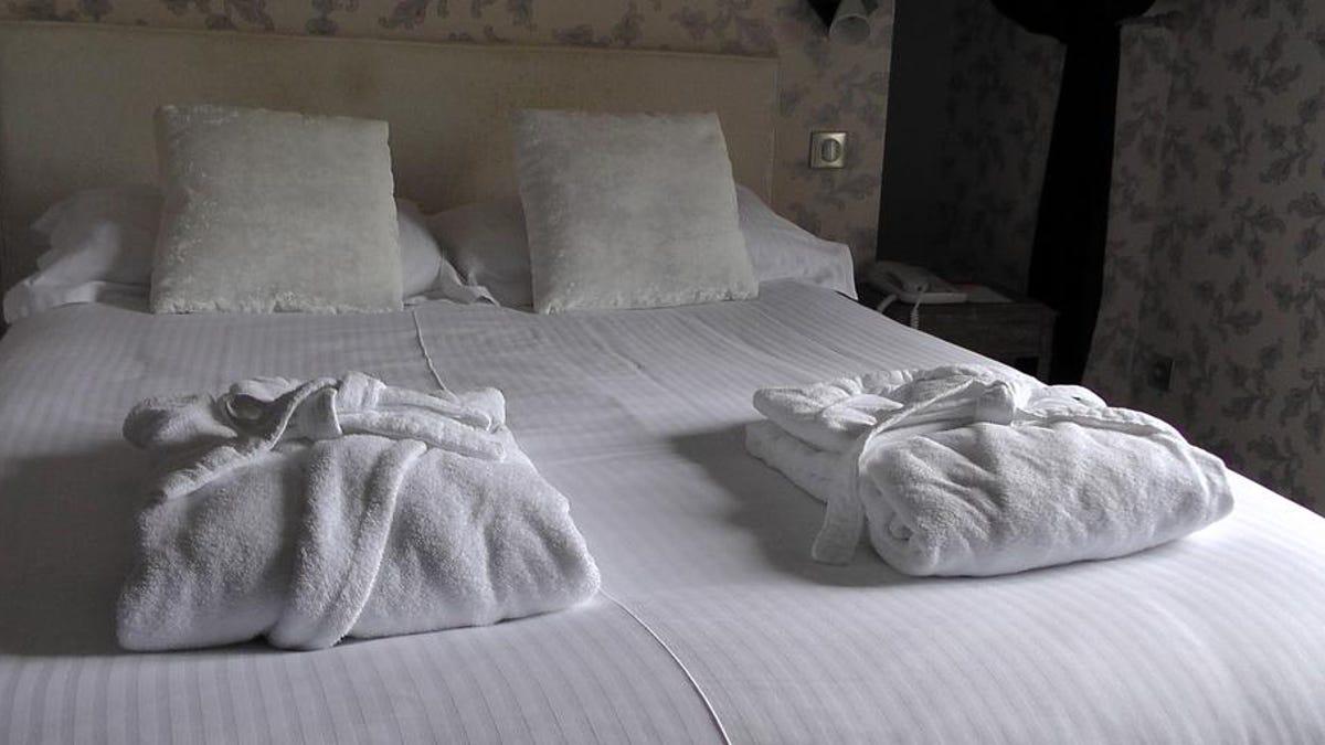 Por qué las sábanas y las toallas de los hoteles son siempre blancas