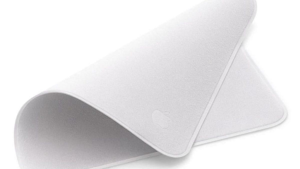 Apple lo vuelve a hacer: lanza una gamuza para el polvo que cuesta... ¡25 euros!