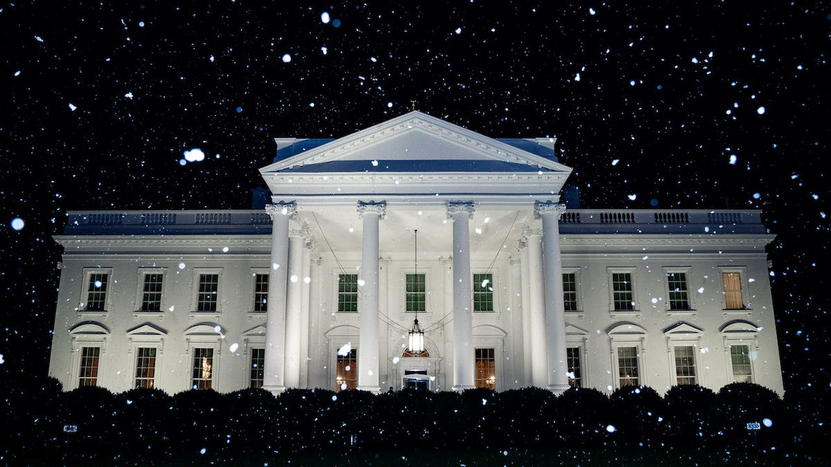 White House Tweets 'First Snow of the Year' On Same Day It Hits 70 Degrees in Washington D.C.