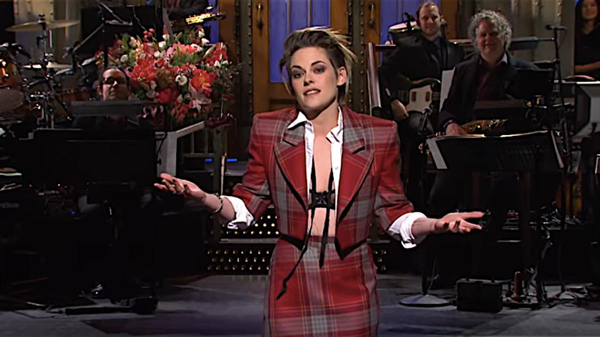 Kristen Stewart hosts another listless SNL, not even an f-bomb to help