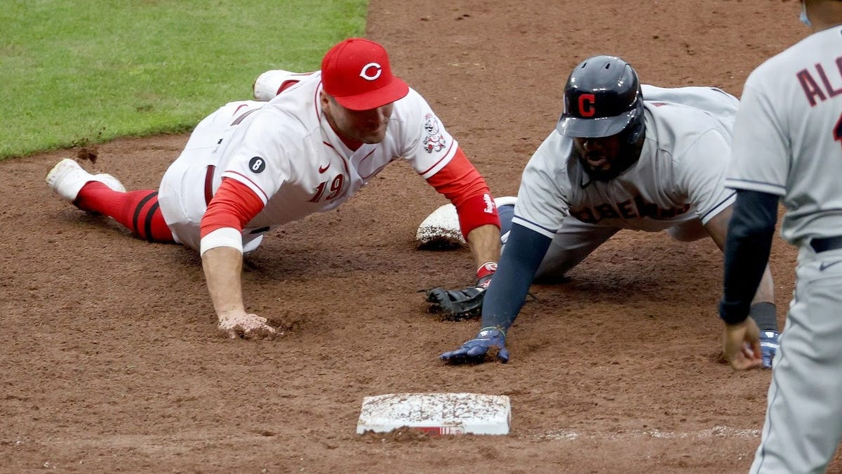 Joey Votto almost pulled off the incredibly rare unassisted triple play