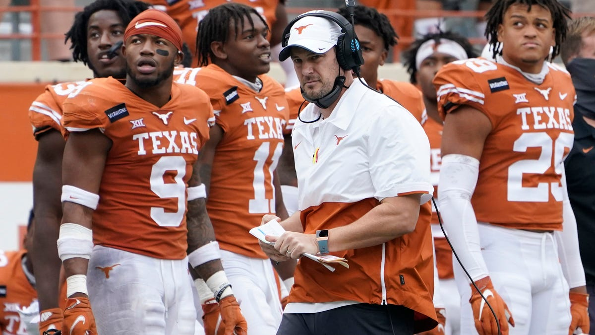 Yes, University of Texas Officials Forced Players to Stay on the Field During Racist Fight Song to Appease Donors
