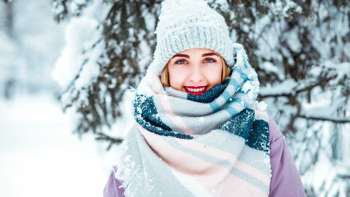 How to Effectively Layer Up and Stay Warm This Winter