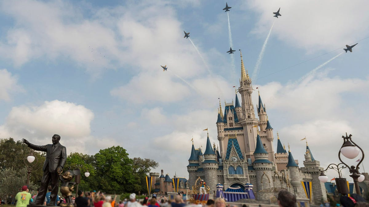 Shockingly, Pandemic Disney World Not Flooded By Tourists