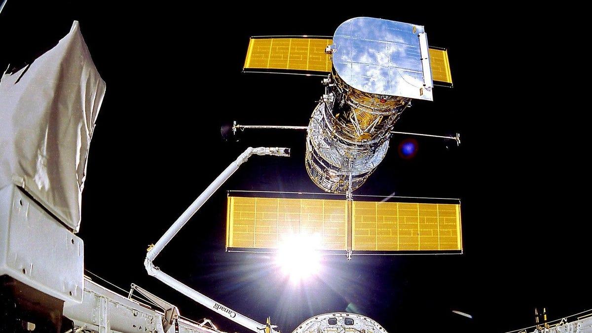 NASA Is Struggling to Identify Source of Hubble Space Telescope Computer Glitch - Gizmodo