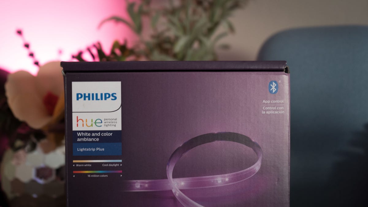 New Philips Hue Smart Bulbs Are Incoming, and They're Gonna Be A Lot Brighter thumbnail
