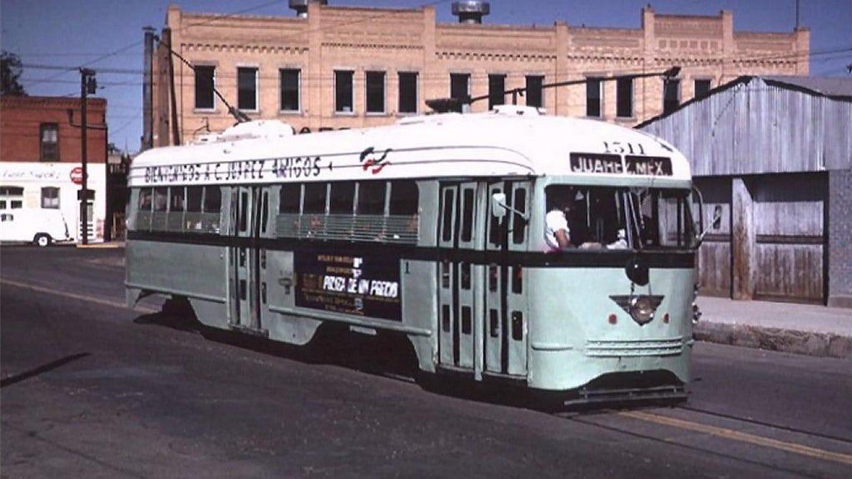 Öffentliche Verkehrsmittel an der mexikanischen Grenze erreichten in der Mitte des 20. Jahrhunderts ihren Höhepunkt