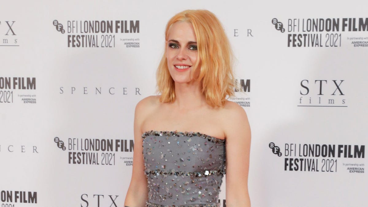 avclub.com - Gabrielle Sanchez - Kristen Stewart says she's only made 'five really good films' throughout her career