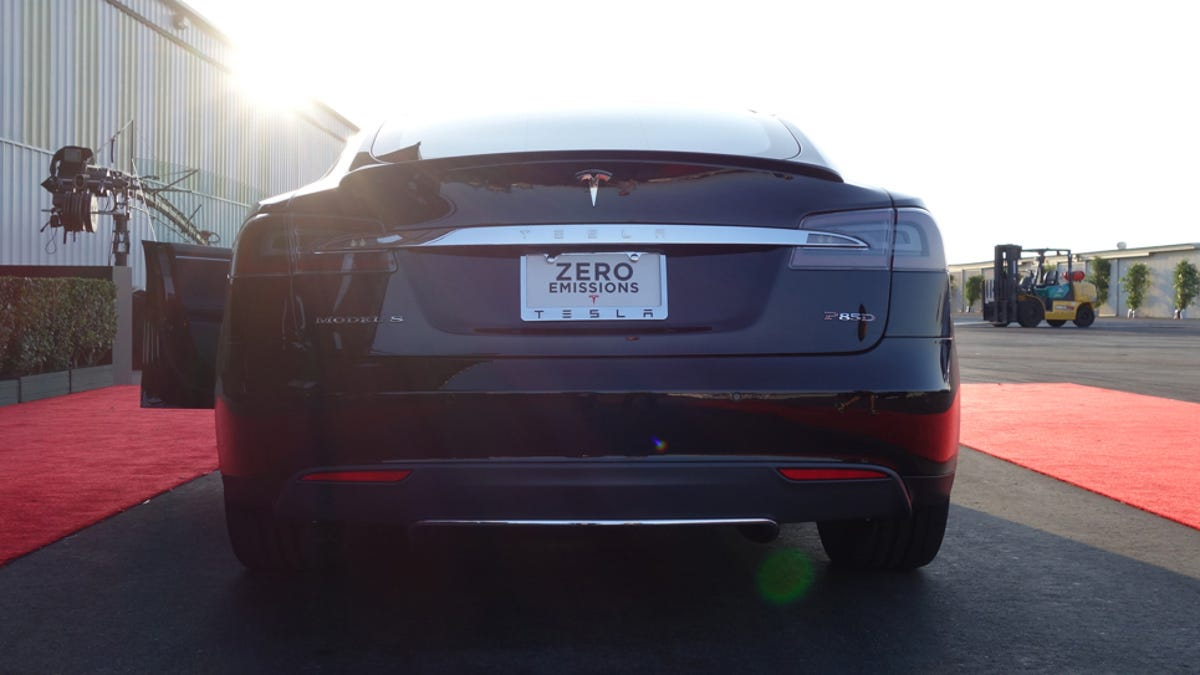 The 691 Horsepower Tesla Model S P85d Does 0 60 In 32 Seconds