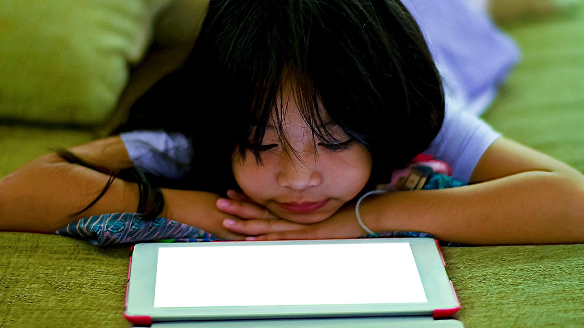 How to Detox Kids From Their Screens