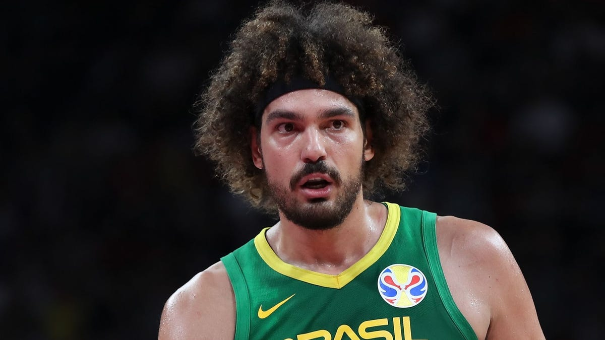 38-year-old Anderson Varejão, who's been getting paid by the Portland Trail Blazers, is returning to the NBA