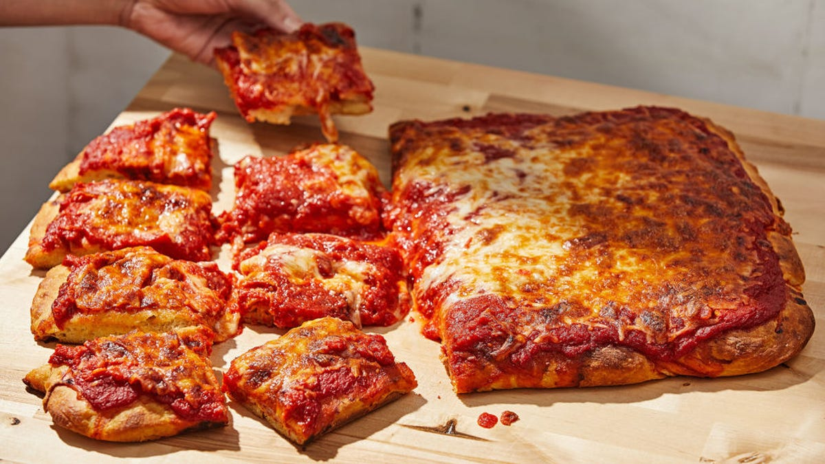 Philly pizza makers selling pies for pickup on their front porch