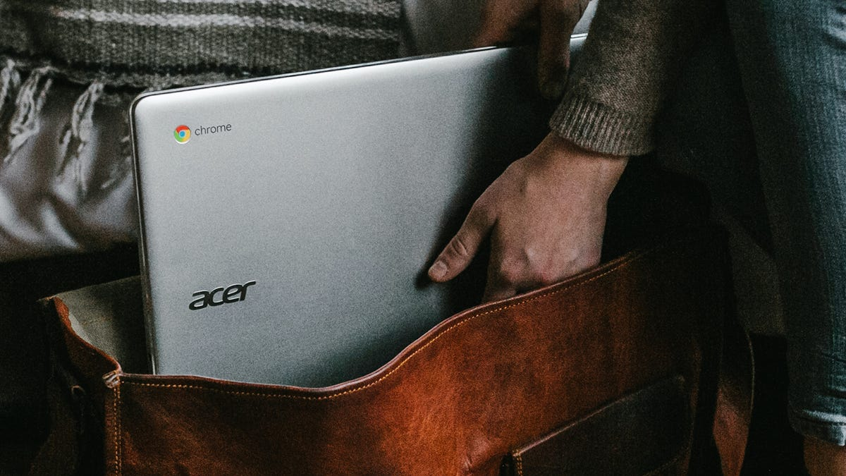 How to Use Your Android Phone Seamlessly With Your Chromebook