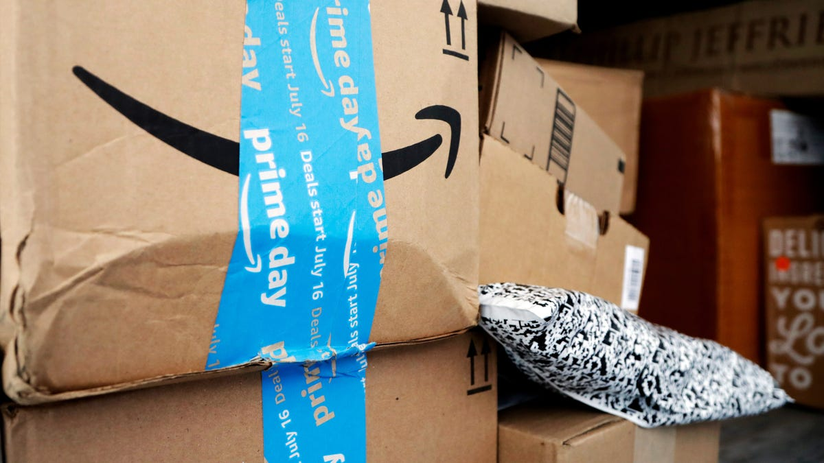 Amazon Yanks Auschwitz-Themed Tree Ornaments From Its Marketplace