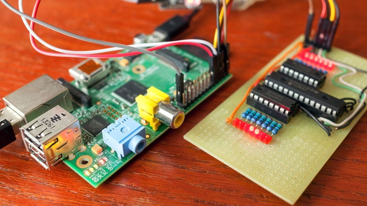 Lifehacker's Complete Guide to Raspberry Pi
