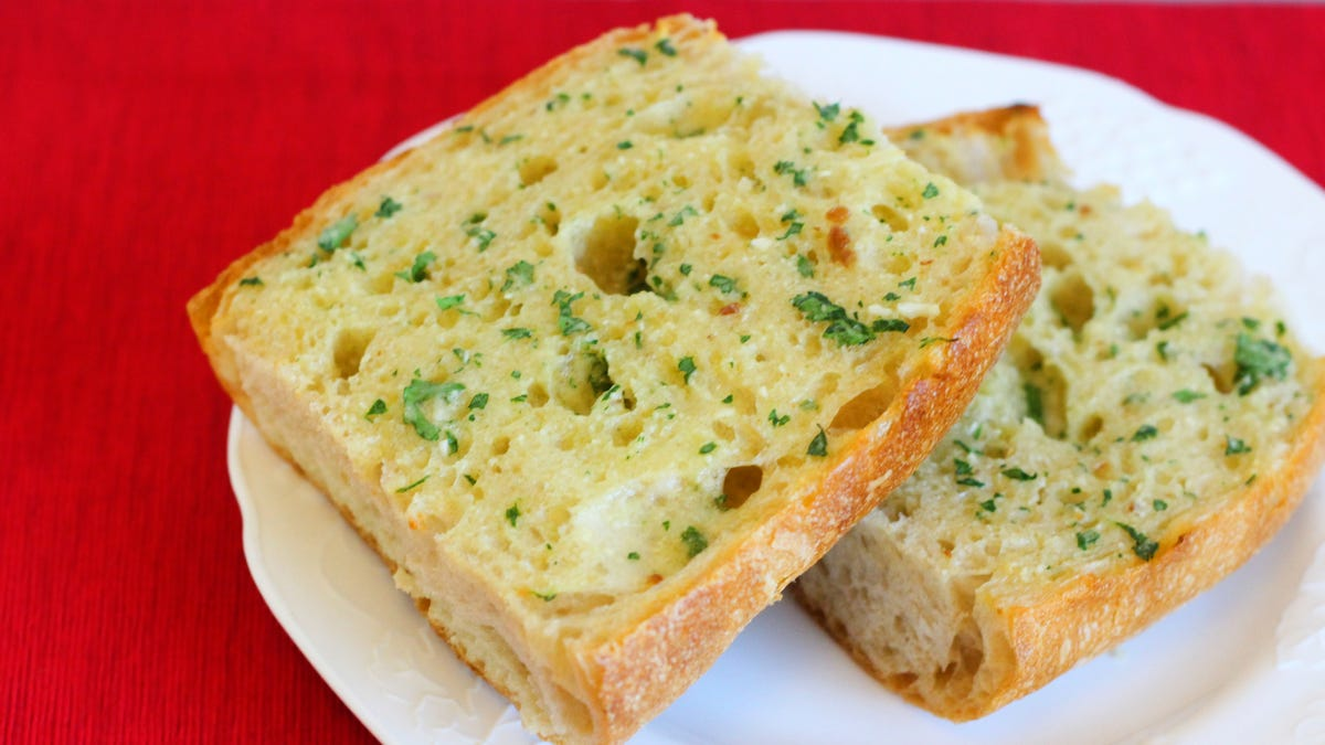 How to Make The Best Garlic Bread