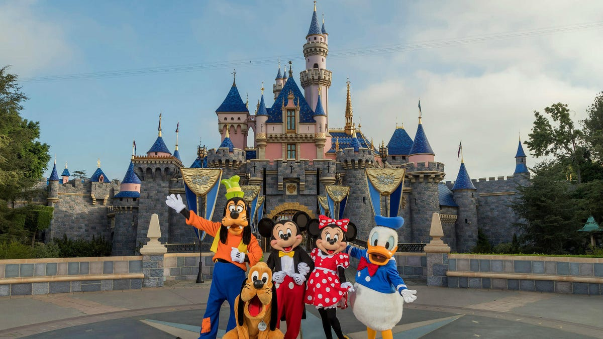 California's Disneyland Is Closing for the 4th Time in History Thanks to You-Know-What