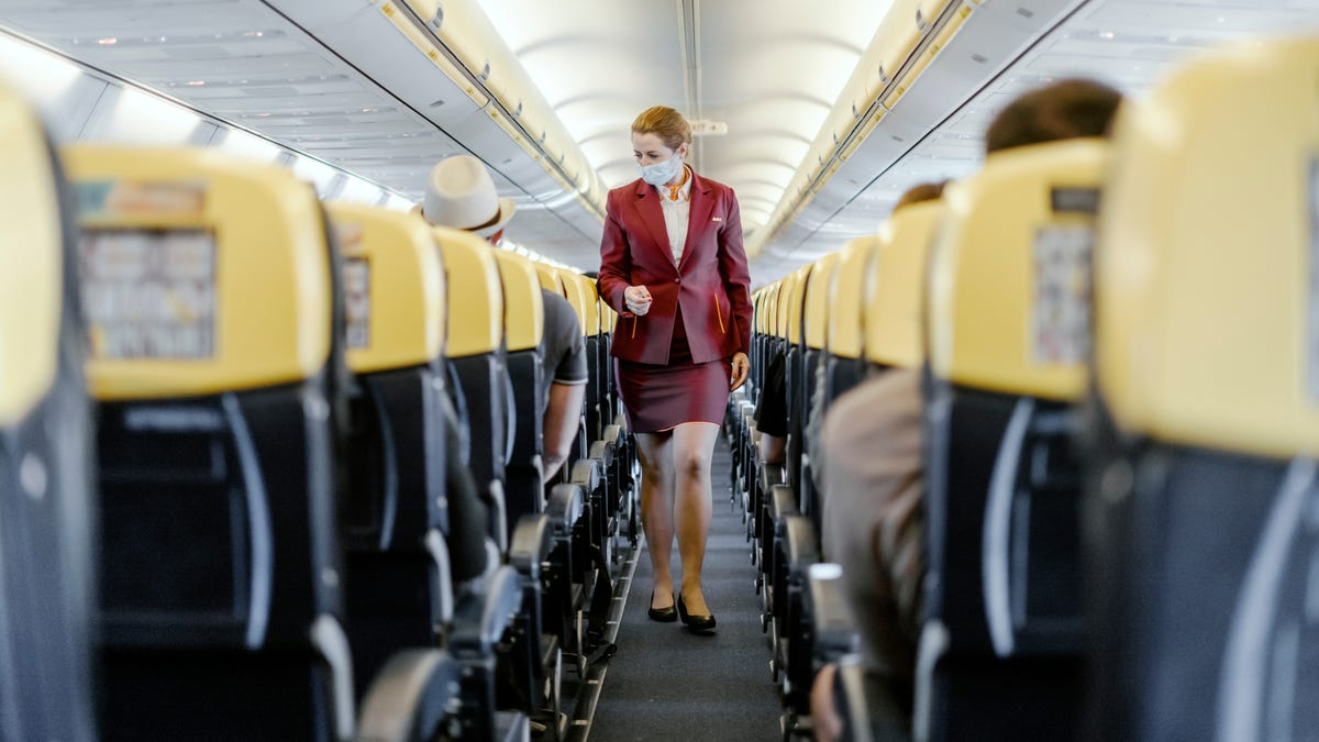 Check an Airline's Coronavirus Policies Before Booking