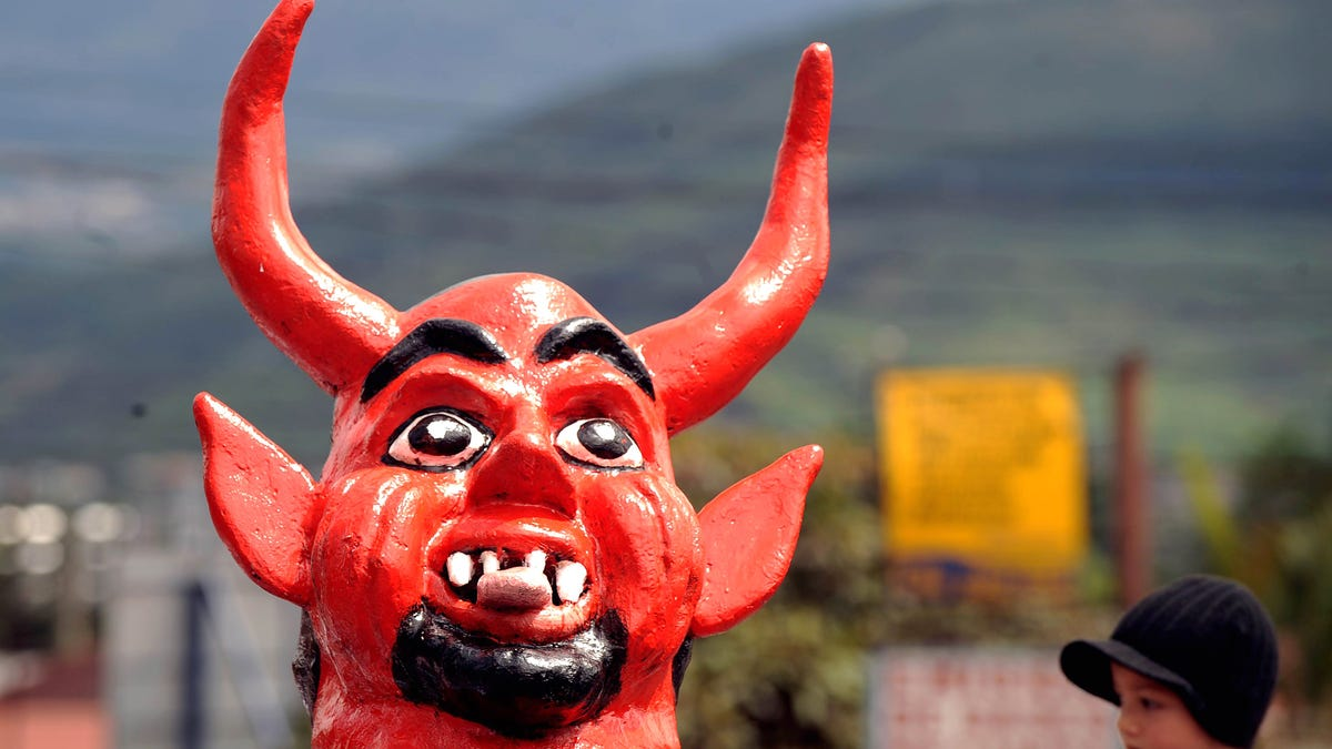 Canadian Therapist Gives Up License After Satanists Expose Her 'Mind Control' Talks